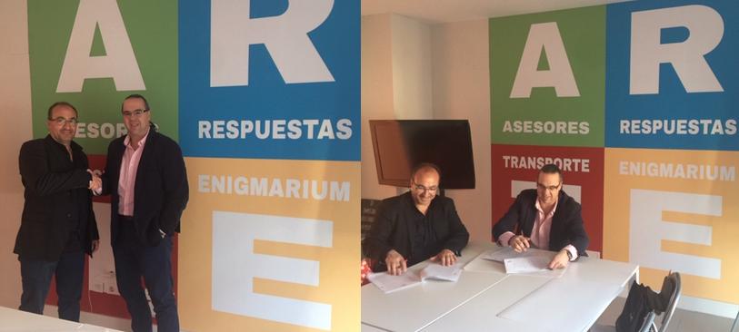 Firma de nuestra primera franquicia/concesión comercial de Enigmarium